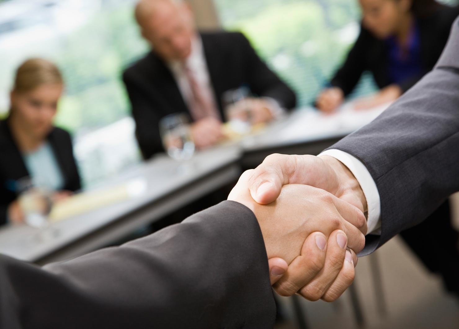 Budowanie relacji z klientami ważniejsze od reklamy