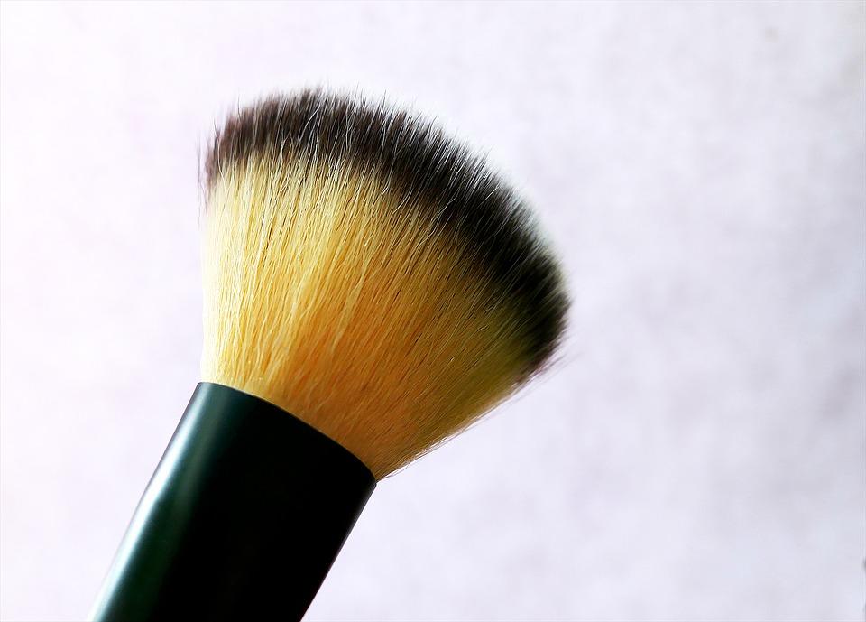 18. Polisa ubezpieczeniowa dla salonu kosmetycznego