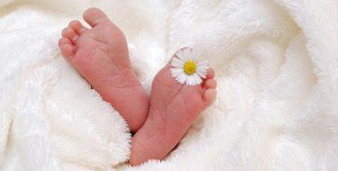 Emolienty w pielęgnacji skóry najmłodszych
